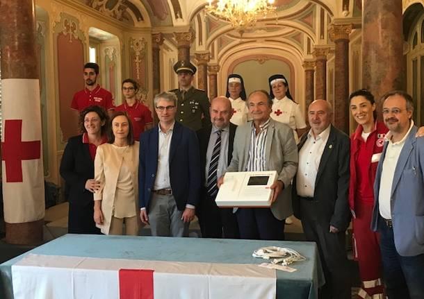 Un elettrocardiografo in dono alla CRI di Varese