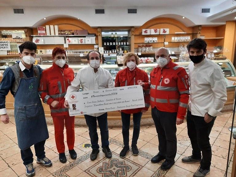 Il gesto più buono e dolce di Buosi: mille euro alla Croce Rossa di Varese